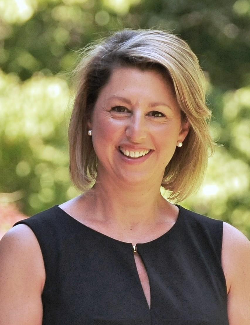 Victoria Clark : Broker/Owner